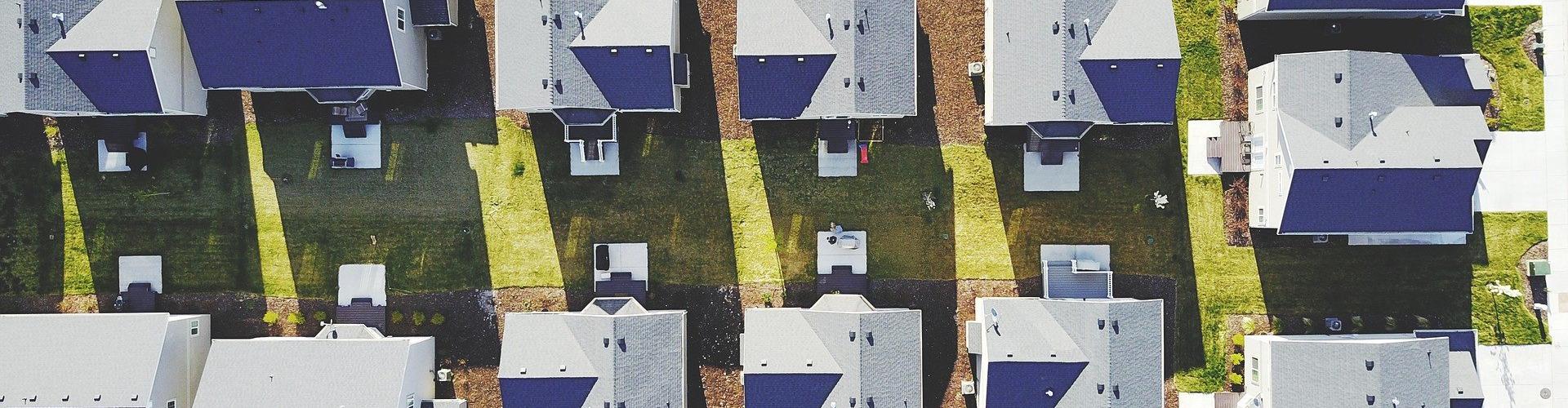 Een postcoderoos kan interessant zijn als je zelf geen geschikt dak hebt voor het opwekken van zonne-energie